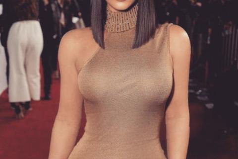 Ким Кардашьян потеряла сотни тысяч подписчиков в Instagram из-за скандальных снимков