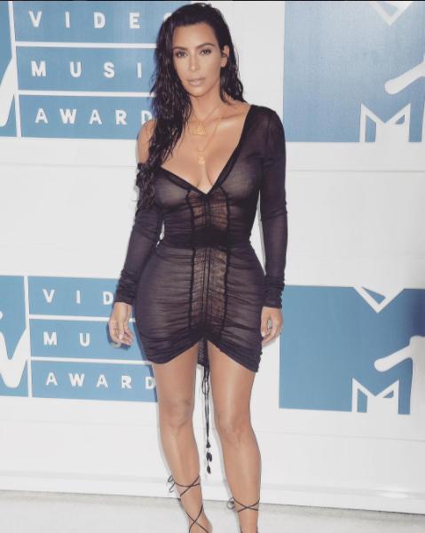 instagram.com/kimkardashian/?hl=ru.
