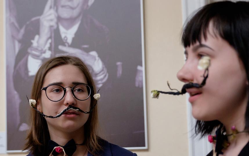 "Дали оказался невероятно популярен у петербуржцев. Фото Алена Бобрович. , ""Metro"""