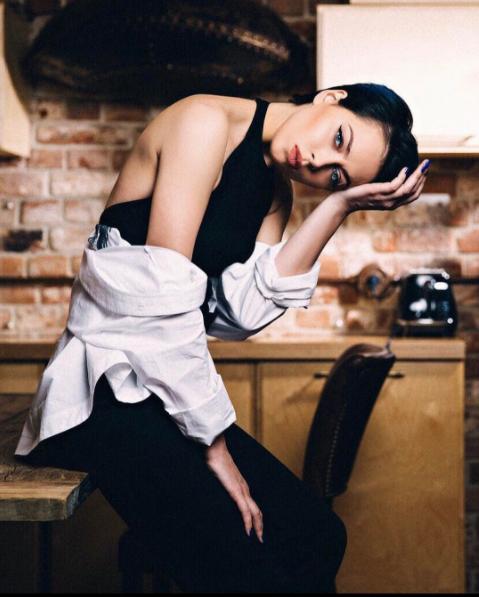 instagram.com/samburskaya/?hl=ru.