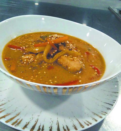 "Тайский куриный суп. Фото ""Metro"""