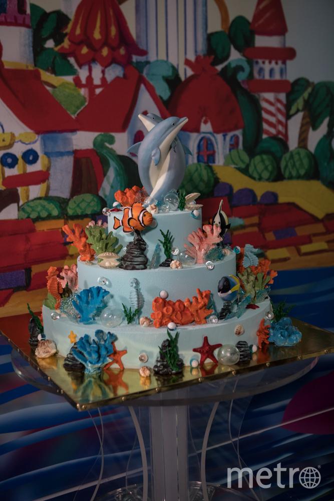 Торт с дельфинами. Фото Instagram