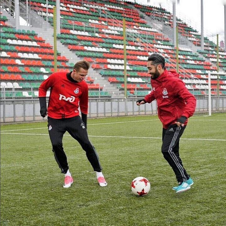 СМИ: Девушку футболиста Тарасова ожидает судьба Ольги Бузовой. Фото Скриншот Instagram/tarasov23