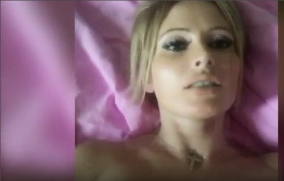 Интимное видео Даны Борисовой взорвало Интернет. Фото vk.com