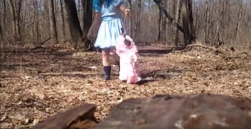 «Мальвина-живодёр». Блогер изТольятти обнародовал видео издевательств над котом