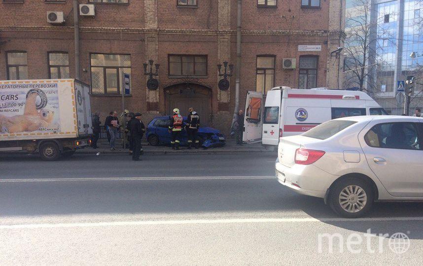 Две иномарки вылетели натротуар исбили женщину наБольшом Сампсониевском