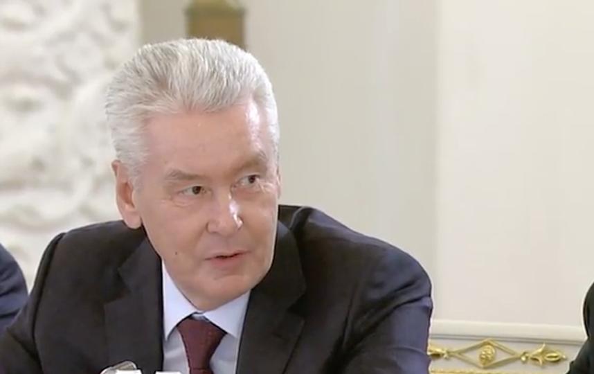 Собянин пообещал пригласить Жириновского натанцы