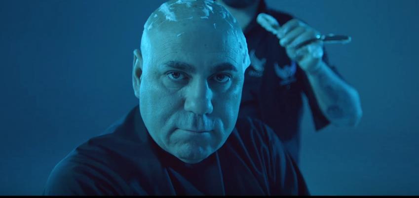 """Клип на песню Скруджи """" Рука-лицо"""" набирает популярность. Фото Все - скриншот Youtube"""