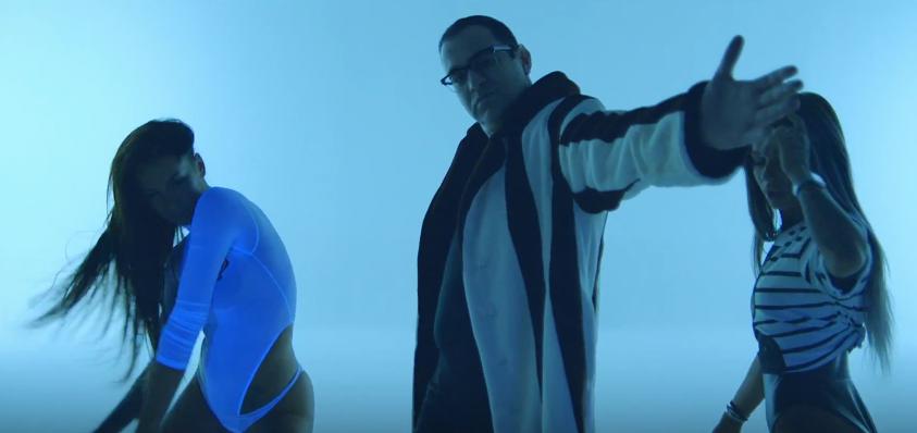 """Клип на песню Скруджи """" Рука-лицо"""" набирает популярность."""