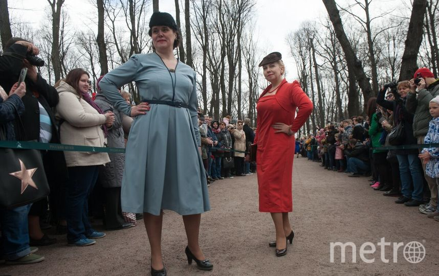 Показ мод в Летнем саду - фотоархив.