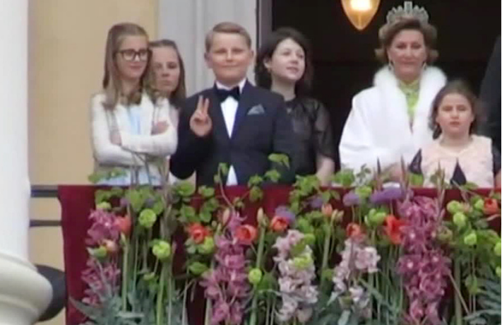 Принц Норвегии Сверре Магнус стал героем Интернета. Фото скрин-шот Youtube