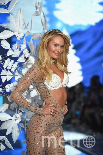 Ангел Victoria's Secret Кэндис Свейнпол снялась обнаженной впервые после родов. Фото Getty