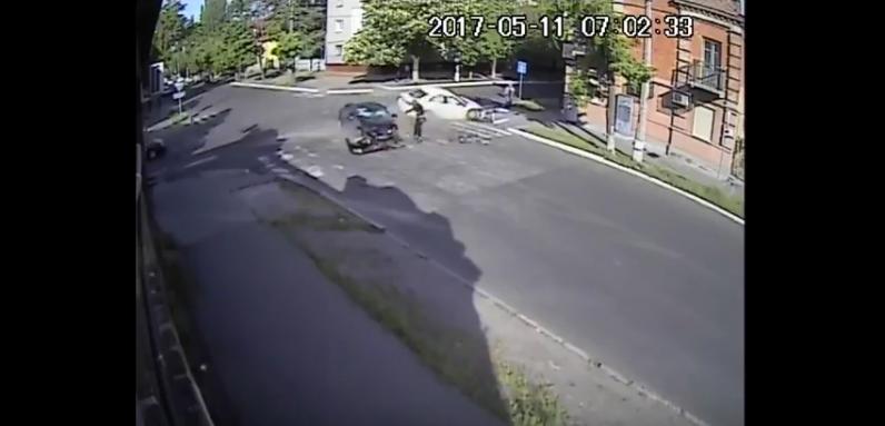 ДТП в Кременчуге случилось на пересечении улиц Мазепы и Шевченко. Фото Скриншот Youtube