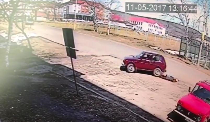 """Водитель на """"ниве"""" наехал на трех пожилых женщин."""