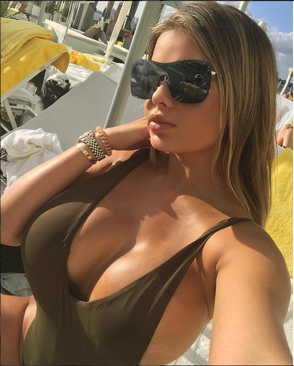 Фото русской Кардашьян без ретуши шокировали ее поклонников. Фото Скриншот Instagram/anastasiya_kvitko
