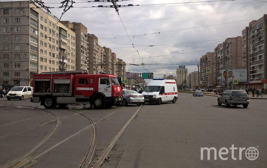 Крупное ДТП с участием рейсового автобуса произошло на Светлановском проспекте. Фото https://vk.com