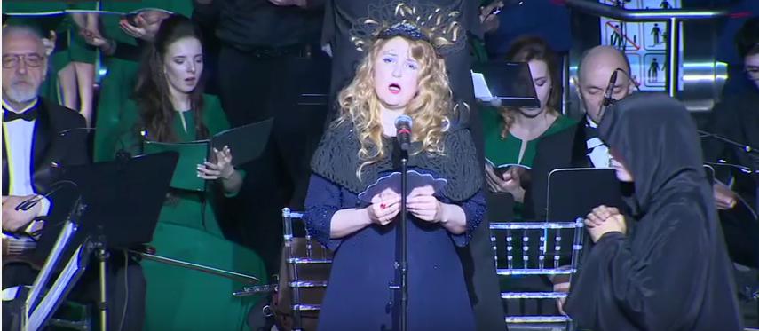 Более 500 человек пришли послушать ночную оперу в московском метро. Фото Скриншот Youtube