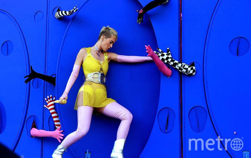 Кэти Перри и Майли Сайрус удивили поклонников новыми образами. Фото Getty