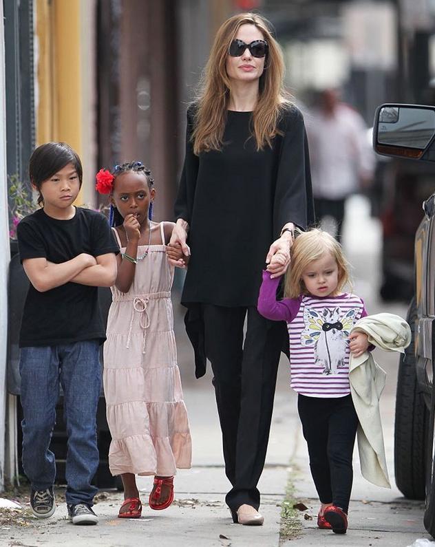 Анджелина Джоли - фотоархив.