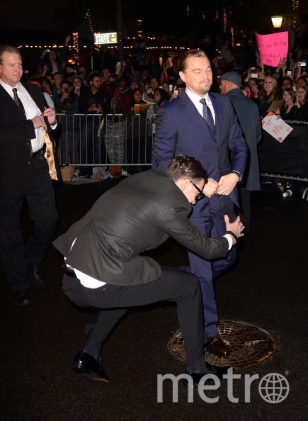 Пранкер Седюк нападает на Леонардо ДиКаприо. Фото Getty