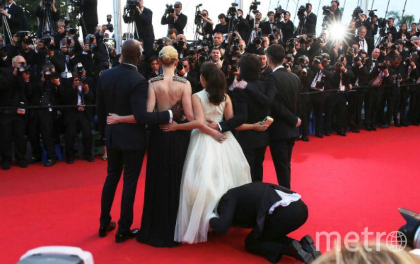 Журналист залез под юбку Америки Ферреры. Фото Getty
