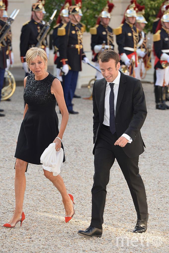 Эммануэль Макрон с женой Брижит. Фото Getty