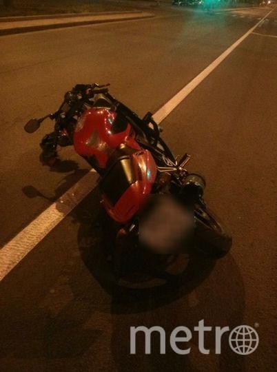 Возможно, пострадавший подросток стал очевидцем данной аварии. Фото vk.com/spb_today.