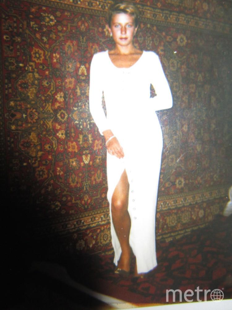 Это платье досталось мне от певицы Раисы Сад Шах.Мы с ней были соседями. Фото Света