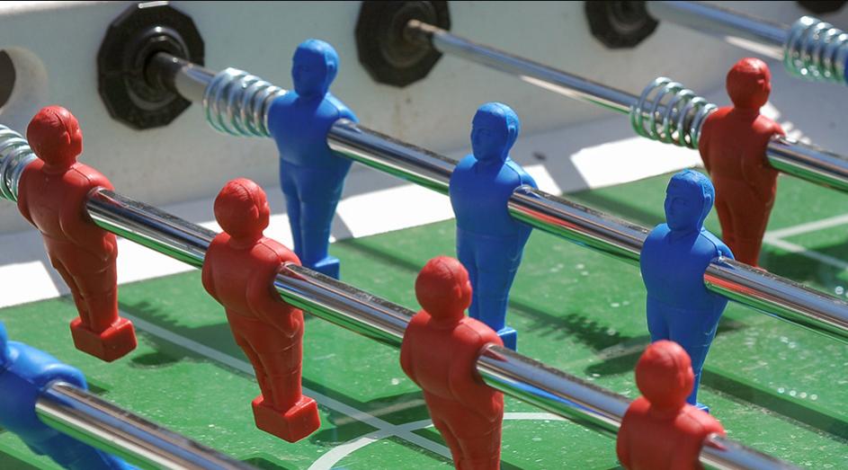Москвичи смогут бесплатно поиграть в настольный футбол в метро. Фото mos.ru