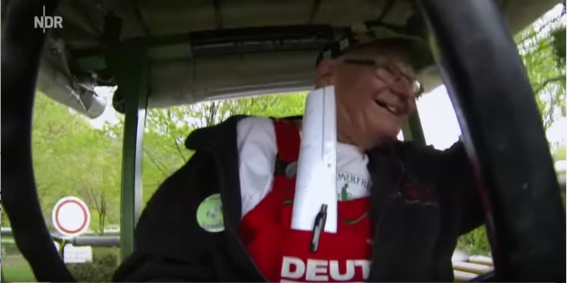 Вилли-тракторист. Фото Скриншот Youtube