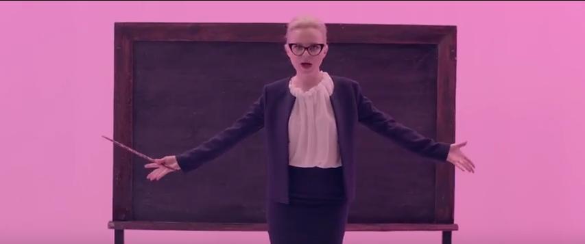 Малыши не дураки: Шнуров высказался о новом клипе Алисы Вокс. Фото Скриншот Youtube