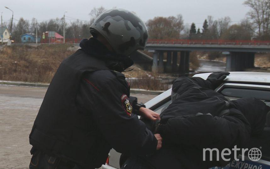 В Петербуге задержан мужчина с топором.