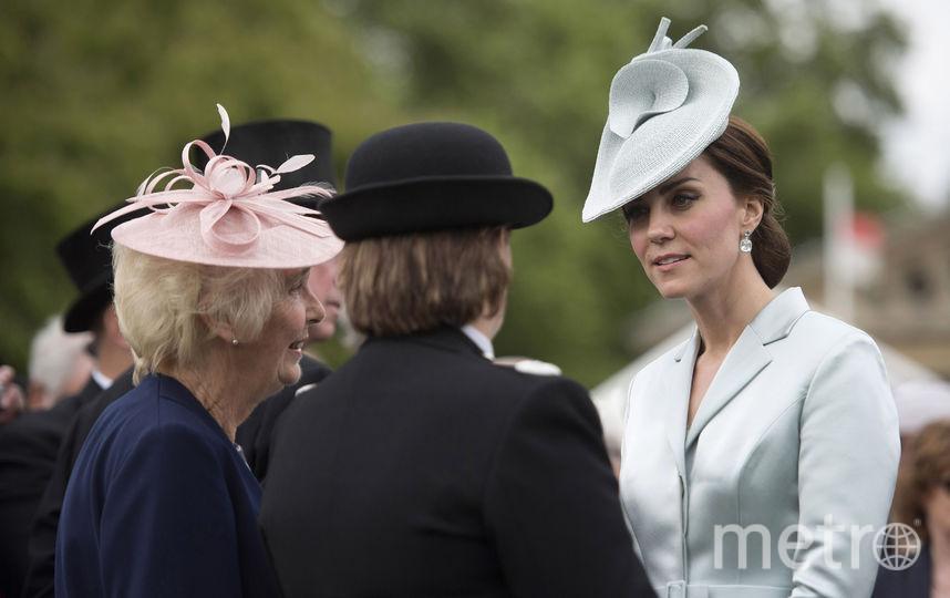 Герцогиня Кэтрин приветствует гостей. Фото Getty