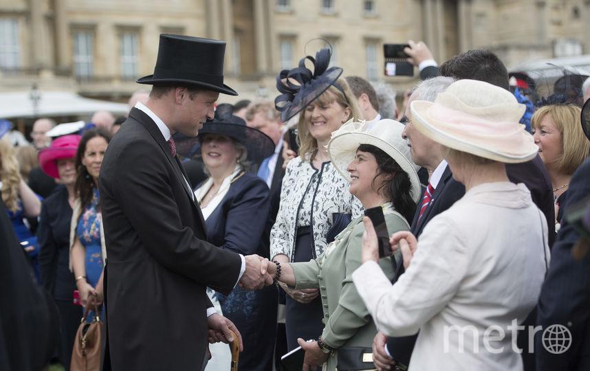Принц Уильям приветствует гостей. Фото Getty
