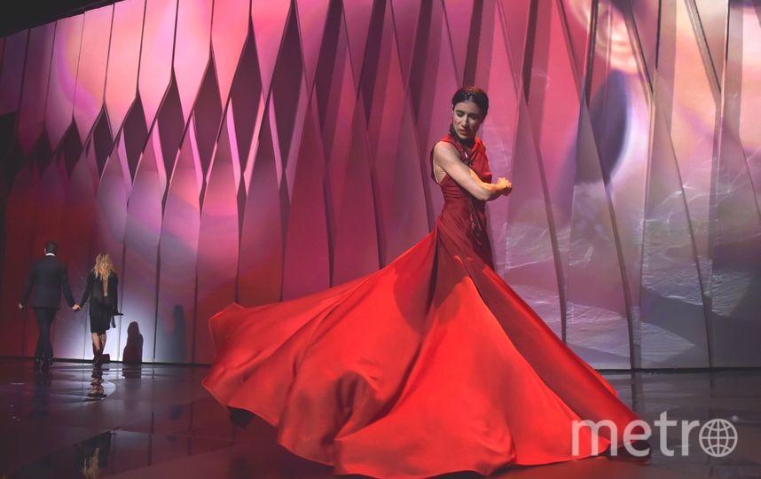 Бланка Ли показала страстный танец на сцене. Фото Getty