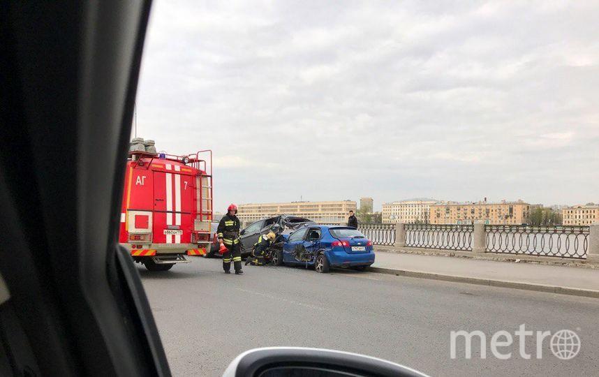 В ДТП на Синопской набережной пострадало пять авто. Фото Все фото - vk.com/spb_today.