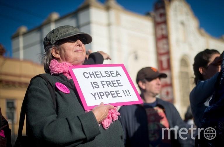 Американцы радуются освобождению Челси Мэннинг. Фото AFP