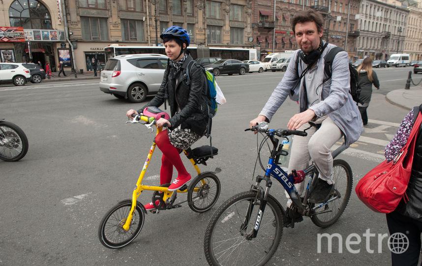 "На работу на велосипеде 19 мая. Фото Святослав Акимов, ""Metro"""