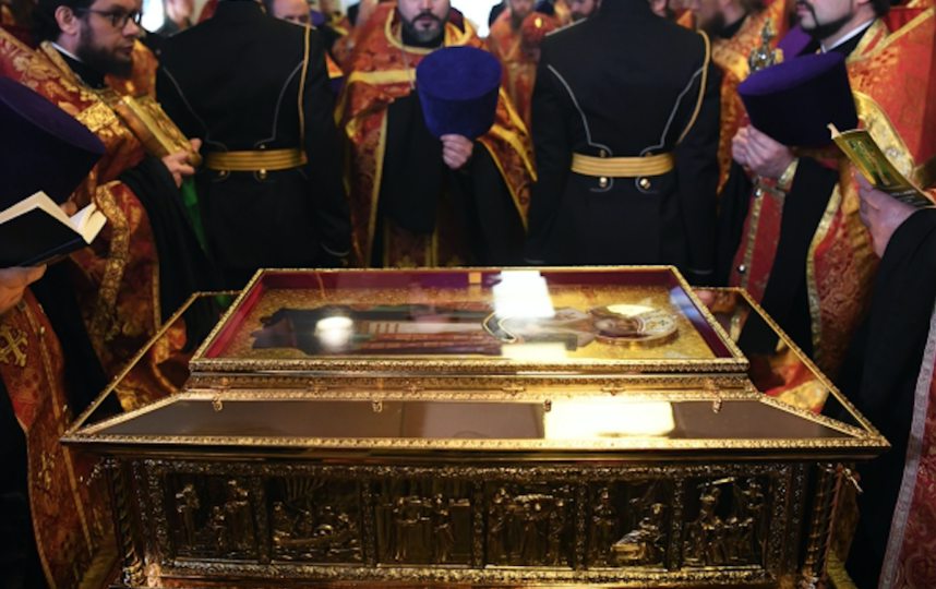 Мощи святого Николая Чудотворца. Фото РИА Новости