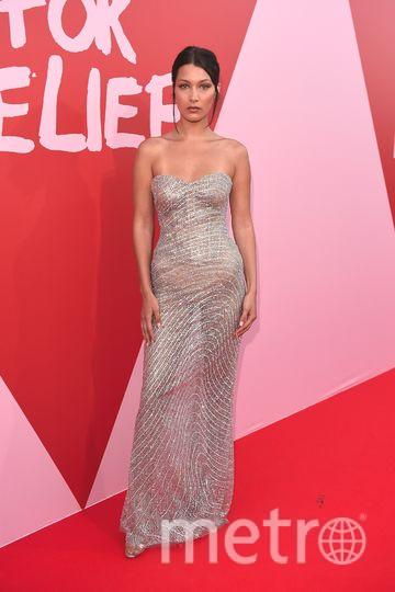 На модном шоу в Каннах Fashion For Relief. Белла Хадид. Фото Getty