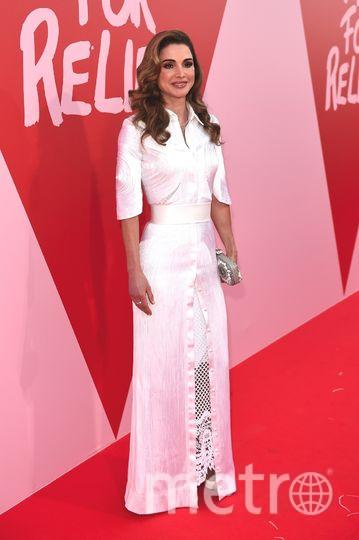 На модном шоу в Каннах Fashion For Relief. Королева Рания. Фото Getty