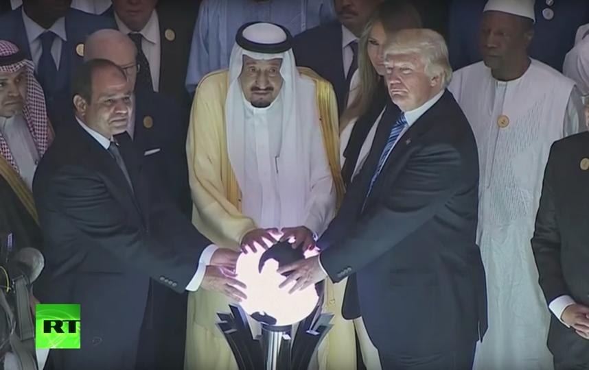 Соцсети взбудоражил ритуал Трампа. Фото RT, Скриншот Youtube