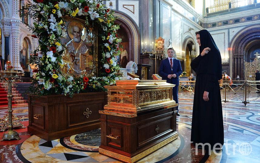 Патриаршее служение в день памяти святителя Николая Чудотворца в Храме Христа Спасителя в Москве.