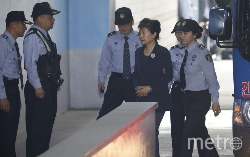Внаручниках исфирменной прической: экс-президент Южной Кореи отвергла обвинения