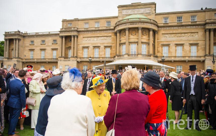 Букингемский дворец советовали закрыть для посещений. Фото Getty