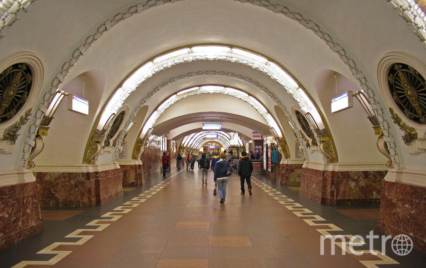 Станцию метро Площадь Восстания в Петербурге закрыта на вход. Фото A.Savin - Wikimedia
