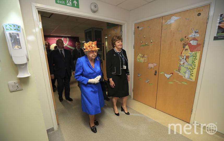 Елизавета II прибыла в детскую больницу Манчестера. Фото AFP