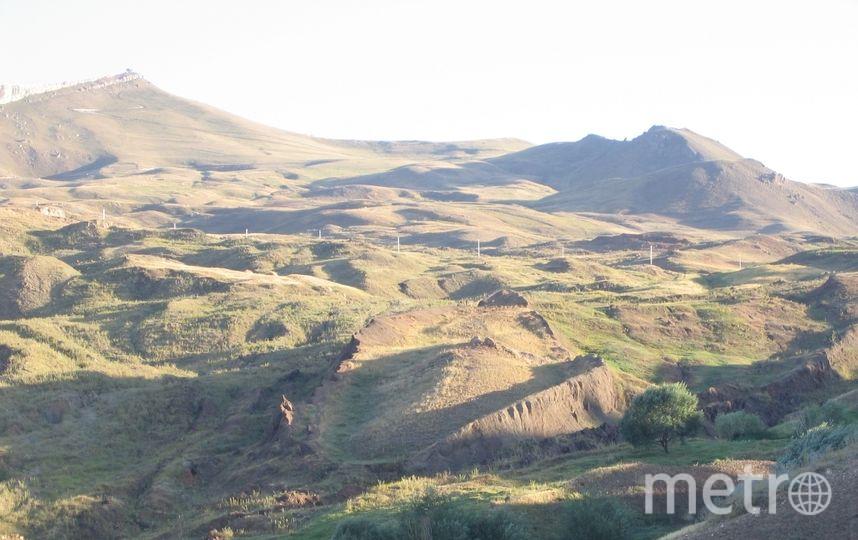 Предполагаемые останки Ноева ковчега возле горы Арарат в Турции. Фото Wikipedia/Mfikretyilmaz