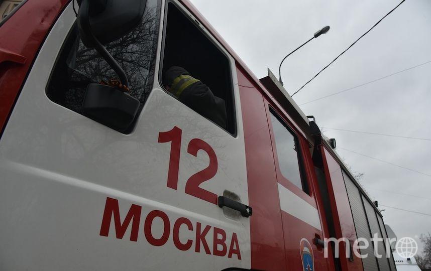 """В Москве за ночь сгорели восемь автомобилей. Фото Василий Кузьмичёнок, """"Metro"""""""