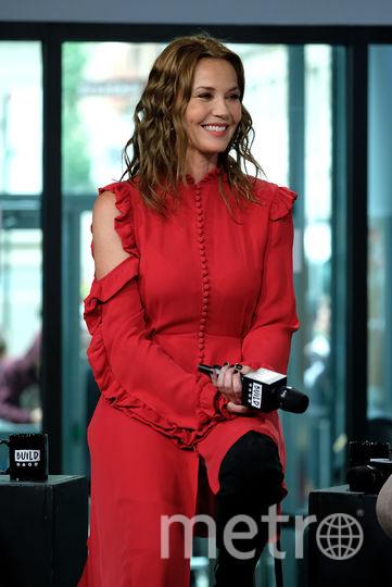 Ветер задрал платье Конни Нильсен на премьере фильма Чудо-женщина. Фото Getty